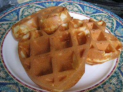 buttermilk waffle recipe. Crispy uttermilk waffles